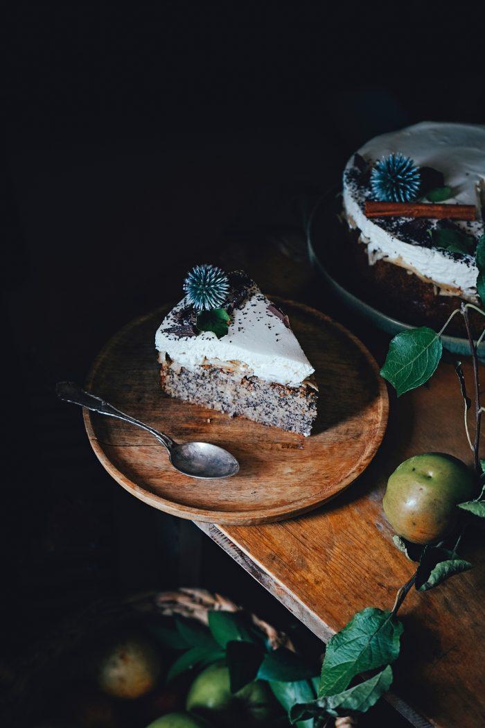 Hrnčekový makovo jablkový koláč